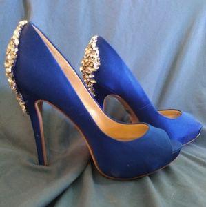 Badgly Mischka Blue Jeweled High Heels Sz 7